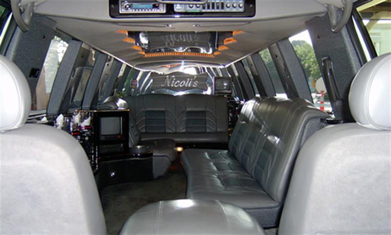 eurocarlimousine-flotta-limousine-lincoln-town-06-2