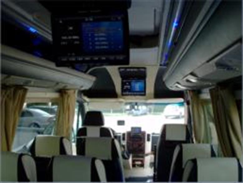 eurocarlimousine-flotta-minibus-seats-luxury-07-2